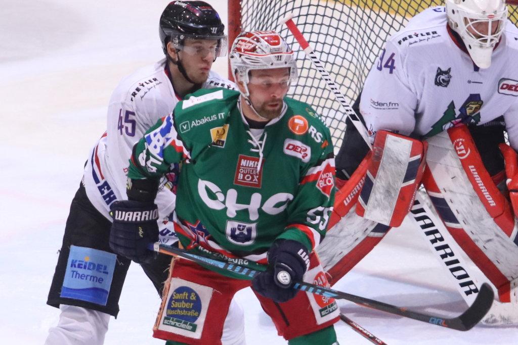 Lange Pause: Am 10. März 2017 bestritt Stephan Vogt in den Pre-Playoffs gegen Freiburg das letzte Punktspiel auf eigenem Eis. Bild: Kim Enderle