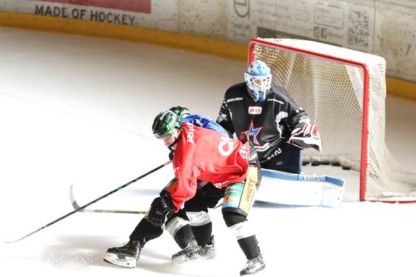 Auch am Freitag gab es wieder zwei Eiseinheiten in Latsch. Bild: F.Enderle