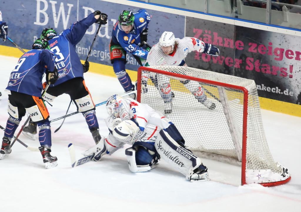 Die Towerstars gewannen ein spannendes und attraktives Heimspiel gegen Heilbronn. Bild: S. Ruetz