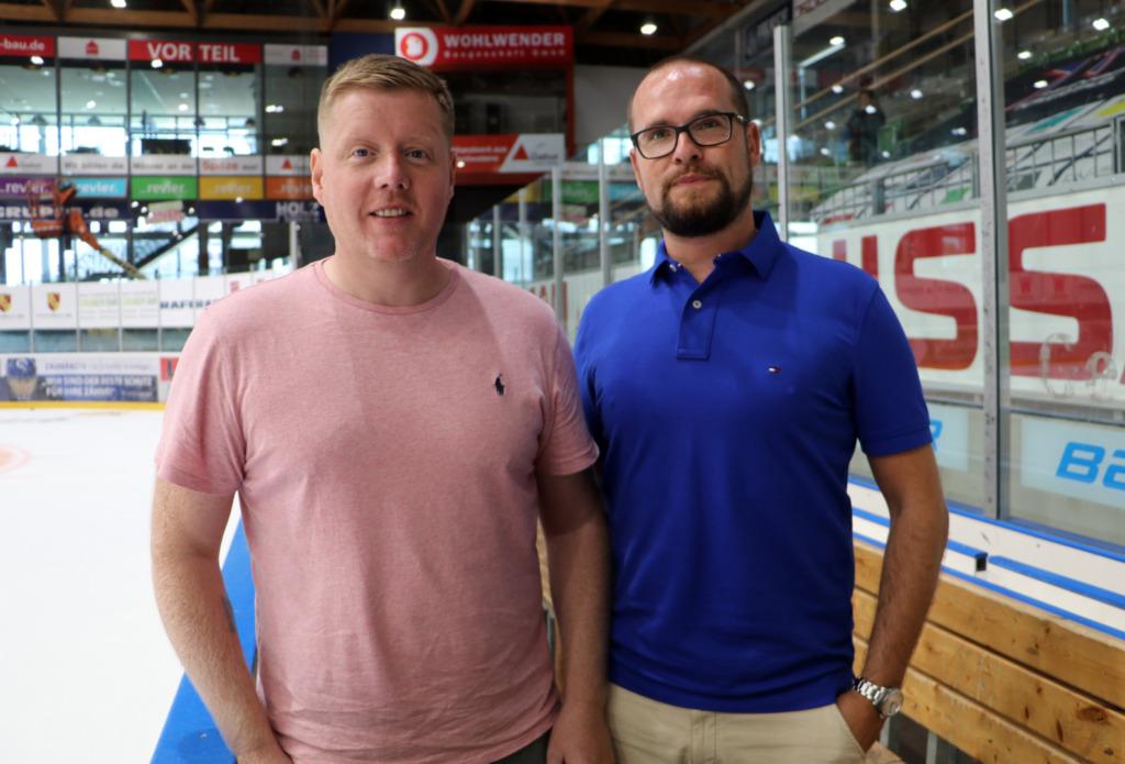 Towerstars Trainer Peter Russell mit Daniel Heinrizi, Geschäftsführer Sport. Bild: F.Enderle
